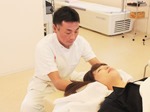 頚椎捻挫治療写真
